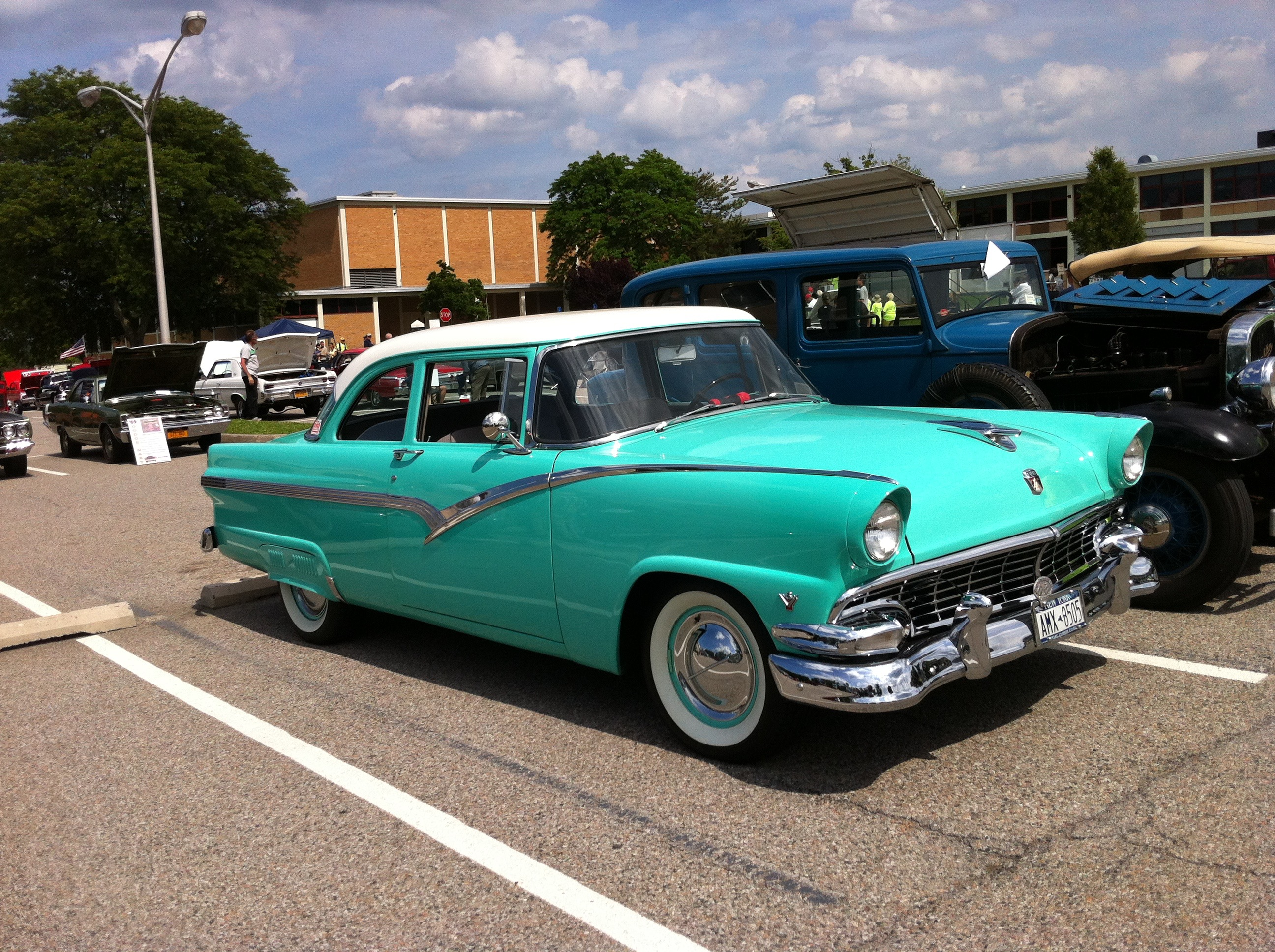 Car Show Lead East 2017 In Parsippany Nj 07054 On Aug 30 1950s Ford Fairlane Bumper
